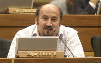 """Diputado cuestiona la """"indignación selectiva"""" contra los políticos corruptos"""