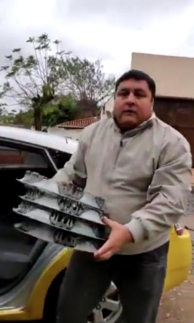 Taxista robó tasas de un auto y luego las devolvió