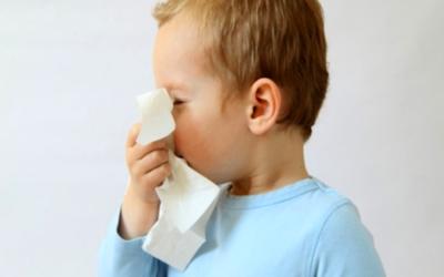 Salud recomienda cuidar de los niños con síntomas de influenza