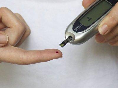 Abuelitos enfrentan retos para adherirse a tratamiento de diabetes