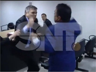 Corte investiga caso de abogados que se agarraron a golpes
