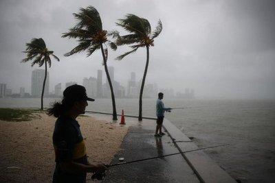 Advertencia de huracán en EE.UU. ante aproximación de tormenta tropical Gordon