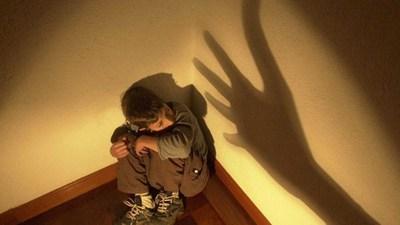 Imputada por maltrato de menores bajo tutela