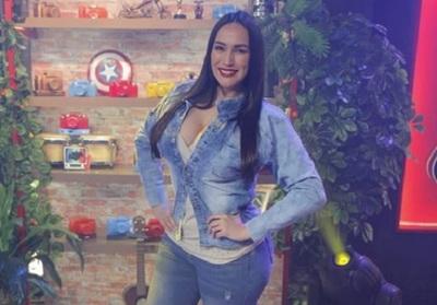 "Silvia Flores Se Refirió De Manera Sarcástica A Las ""Rubias"""