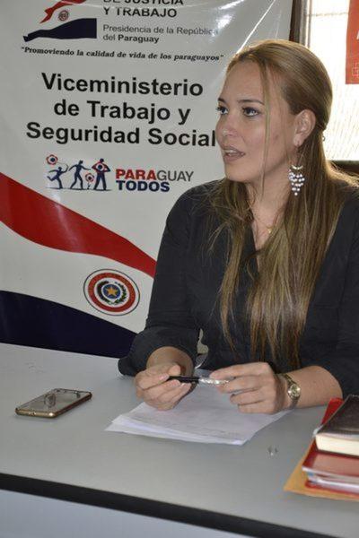 Apartan del cargo a hija de Carmen Álvarez luego de años sin trabajar