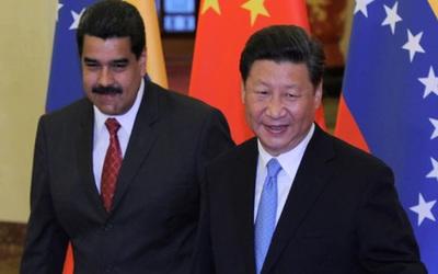 China respaldó al gobierno de Venezuela ante la sorpresiva visita de Maduro
