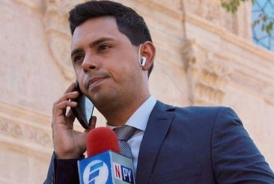 Robaron el celular del periodista Ale López
