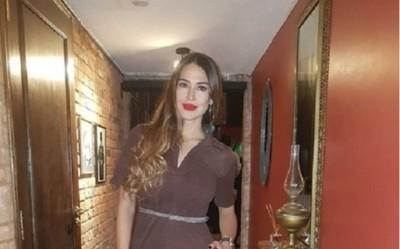 La ex Miss Paraguay Yanina González sorprendió con un karaoke