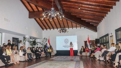 Primera dama presentó sus ejes prioritarios de trabajo, que incluyen niñez y mujer