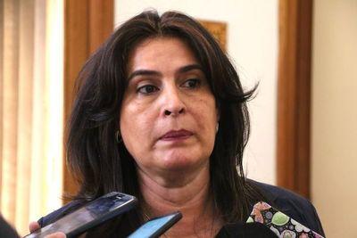 """El MOPC blanquea a Buzarquis, senador """"amigo"""" del Gobierno"""