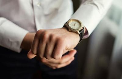 La ciencia lo dice: las personas impuntuales son más exitosas y viven más