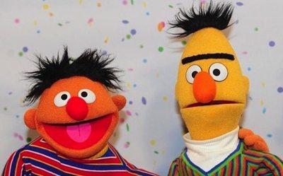 """Beto y Enrique, ¿son  una pareja de """"raritos""""?"""