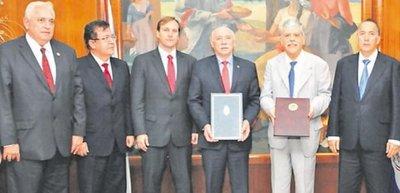 Por coimas detienen al exdirector argentino de la binacional Yacyretá