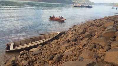Suspenden servicio de balsa por bajo nivel del río Paraná