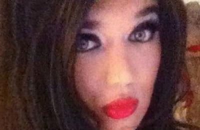Sujeto que se vestía de mujer engañó a 150 hombres para tener relaciones