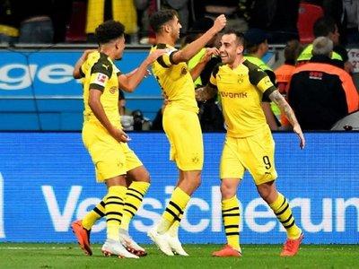 Un doblete de Paco Alcácer hace líder al Dortmund