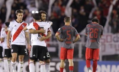 HOY / Los colombianos Quintero y Santos Borré meten a River en las semifinales