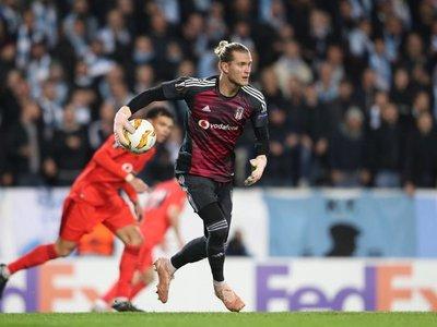 Nuevo blooper de Karius y ahora por la Europa League