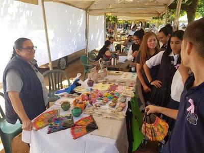 Masiva participación en primer día del Festival del Ñandutí