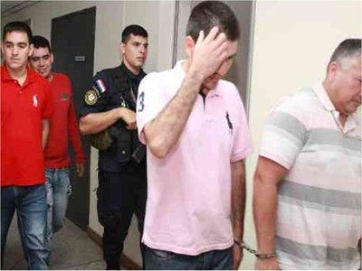 Berilo: Juez otorga arresto domiciliario a cuatro policías