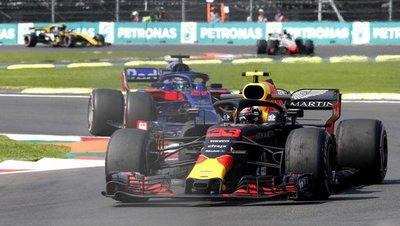 Verstappen domina también la segunda práctica