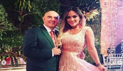 Karina Doldán y Domingo Coronel en marcha pro vida