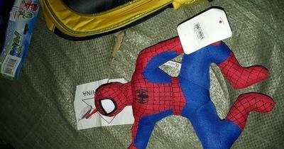 Requisan 67.500 unidades de juguetes y mochilas falsificados