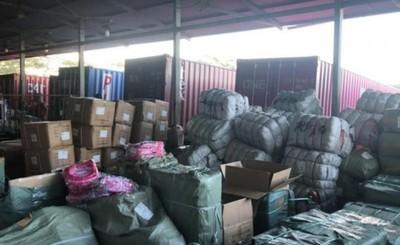 Casi 70.000 juguetes y mochilas falsificadas son requisadas