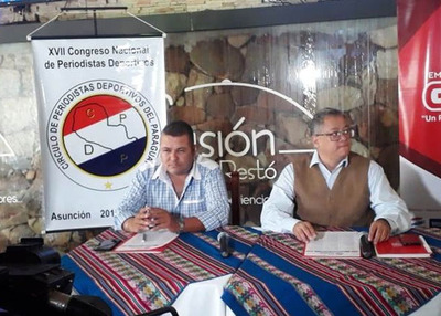 Acto de presentación de congreso de periodistas