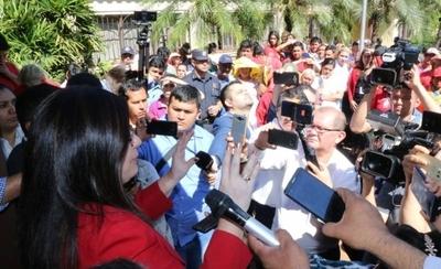 "HOY / Interventora de CDE promete no echar a funcionarios: ""No vengo a perseguir"""
