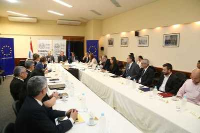 Hacienda y Delegación de la UE dialogaron sobre gestión de finanzas públicas