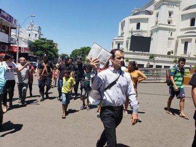 Incidentes entre protestantes y peregrinos frente a la Basílica