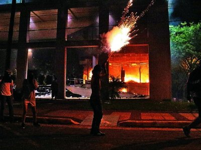 Suspenden  juicio a policía acusado de agresión en 31M