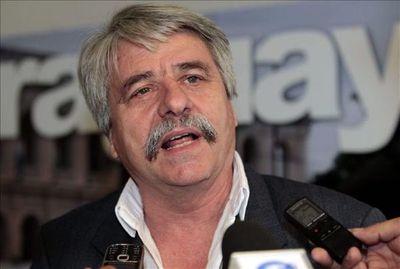 Ande: Opositores proponen ley para reducir 90% costo de energía