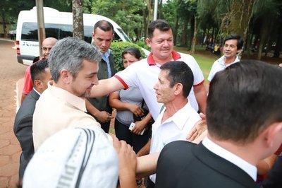 Marito visita a interventora y es abucheado en Ciudad del Este