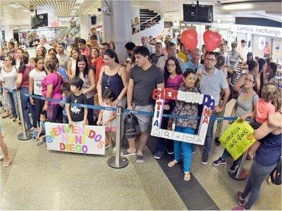 Miles de paraguayos regresan para las fiestas rompiendo  el techaga'u