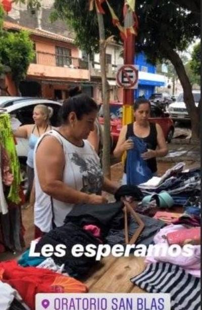 """HOY / Feria de ropas usadas de Fabbro  y Larissa activan comentarios sobre  """"problemas de plata"""" de la pareja"""