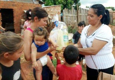"""""""Navidad solidaria"""" de Cruzada de la Amistad en Campo 9"""