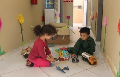 """Salud recomienda a """"los Reyes Magos"""" regalos acordes a la edad de los niños"""
