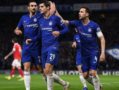 Chelsea gana en despedida de Fábregas