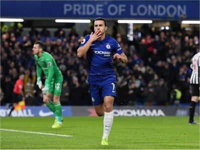Pedro y Willian rescatan al Chelsea ante el Newcastle
