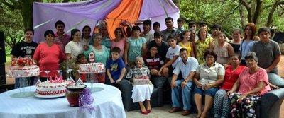Festejan ¡107 años! de doña Petrona
