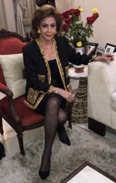 Señora de las ocho décadas