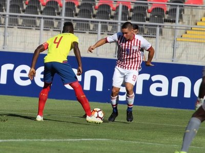 Paraguay muestra pésima imagen y cae goleado en su debut