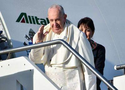 Francisco visita Panamá en plena ola migratoria