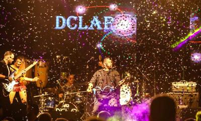 D'clap se presenta por vez primera en el aniversario