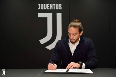 Cáceres volvió a la Juventus