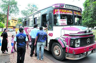 Pésimo servicio de transporte público azota a pobladores de Presidente Franco