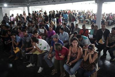 Pasaportes venezolanos vencidos tendrán validez en el territorio nacional