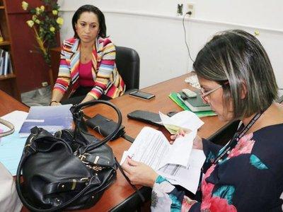 Implican a fiscala y esposo juez en  esquema de lavado del narcotráfico